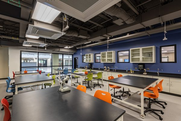 11.-MW---Interior_Science-Lab-no-Students